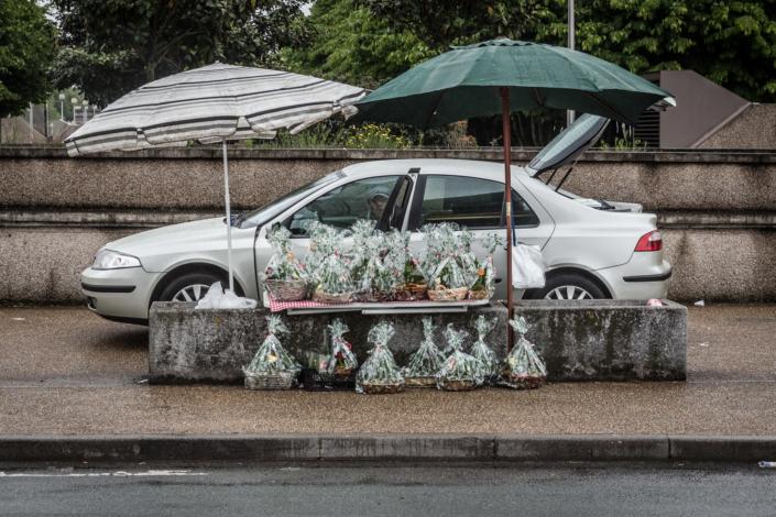 1er mai_fete_muguet_manolo_mylonas_photographie_banlieue_paris_paysage_urbain_humain_seine_saint_denis