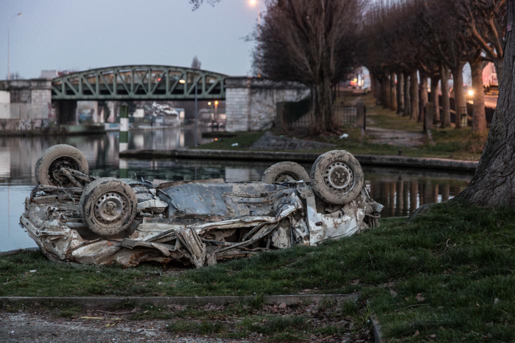 epave_voiture_canal_espace_manolo_mylonas_photographie_banlieue_paris_paysage_urbain_humain_seine_saint_denis181