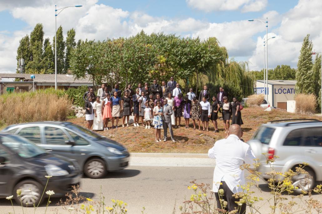 mariage_rond_point_famille_manolo_mylonas_photographie_banlieue_paris_paysage_urbain_humain_seine_saint_denis