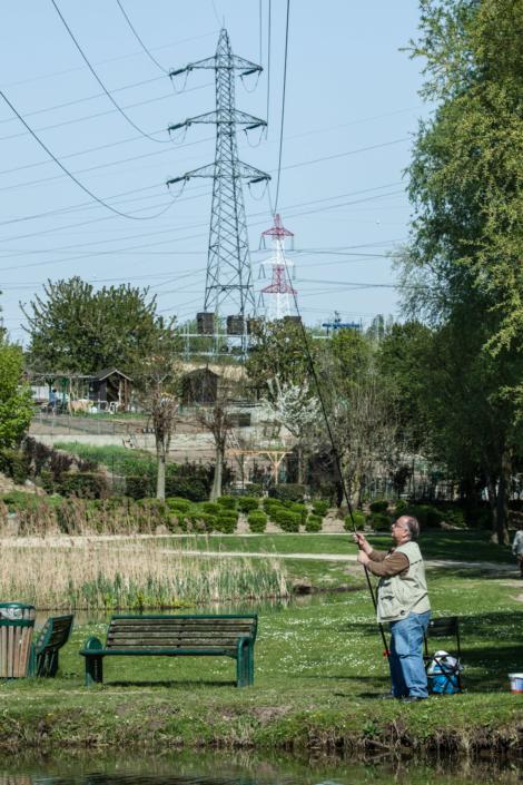 pecheur_ligne_tension_manolo_mylonas_photographie_banlieue_paris_paysage_urbain_humain_seine_saint_denis213