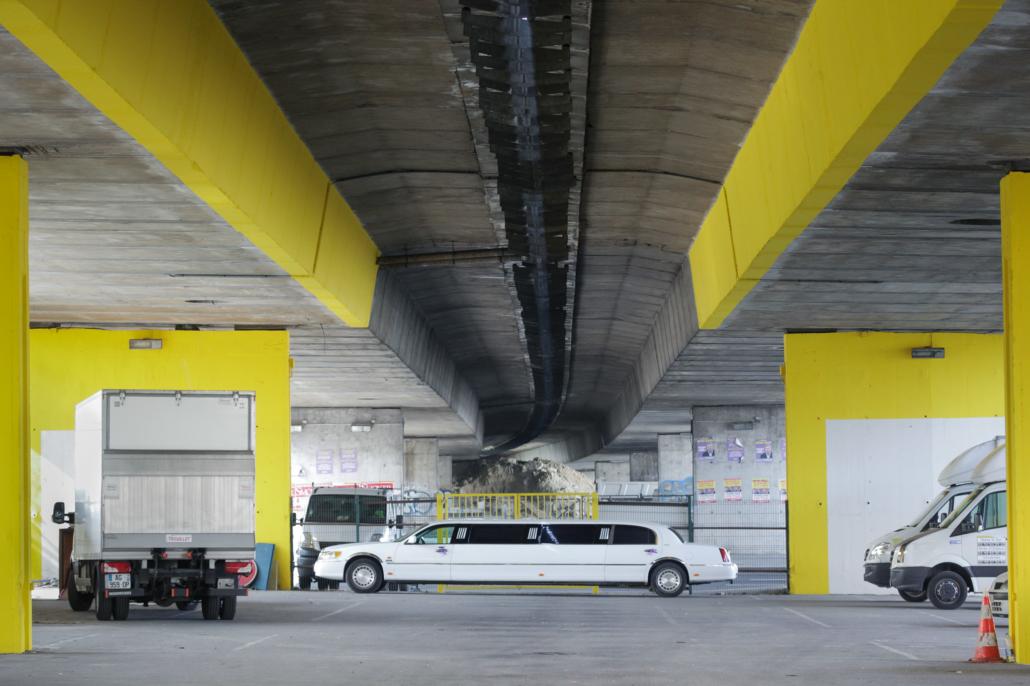voiture_limousine_autoroute_manolo_mylonas_photographie_banlieue_paris_paysage_urbain_humain_seine_saint_denis